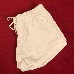 Old Navy Shorts - Old Navy Drawstring Shorts (White, size 10)